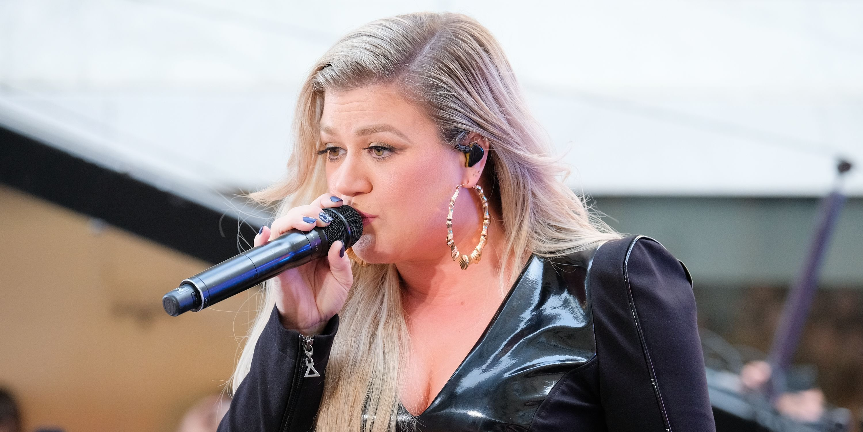 Kelly Clarkson Says The Plant Paradox' Helped Her Lose 37 Pounds Without Exercise
